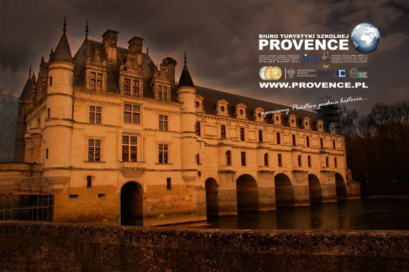 wycieczka szkolna dolina loary francja paryż