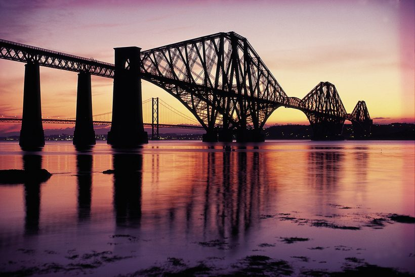 THE FORTH RAIL BRIDGE, EDINBURGH.